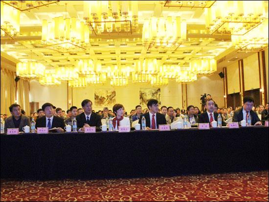 出席贛榆交通 • 德基機械瀝青熱再生技術交流會的主要領導